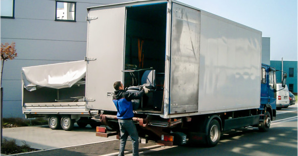 What Are the Services Offered by Removal Companies?