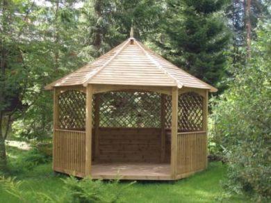 Eco-friendy garden design with a timber gazebo